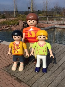 Lebensgroße Playmobil-Figuren